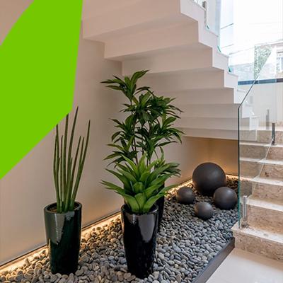 Erisa-29 small garden ideas-9-Gardens under the stairs