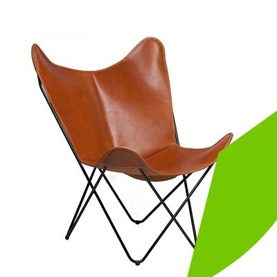 Erisa - Show some leg on light furniture.